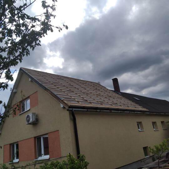 Rekonštrukcia strechy v obci Vinné - Obrazok