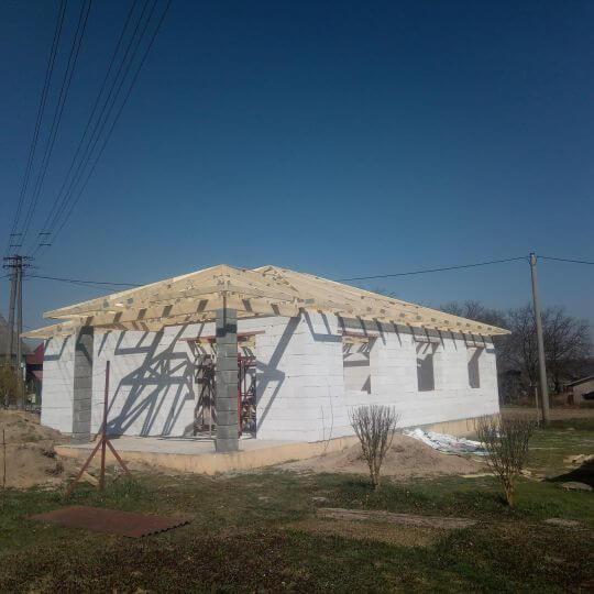 Novostavba rodinného domu Vechec - Obrazok