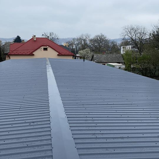 Rekonštrukcia strechy predajne záhradnej techniky - Obrazok